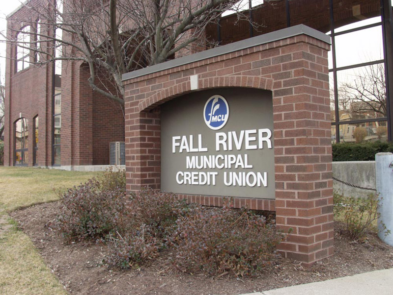 5 Advantages of Fall River Municipal Credit Union over Banks